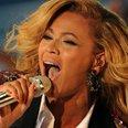 2011 MTV VMAs On Stage - Beyonce