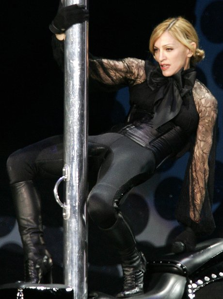 Madonna perfroms on stage in 2006