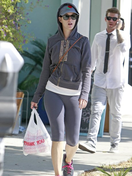 Katy Perry shopping in gym clothes