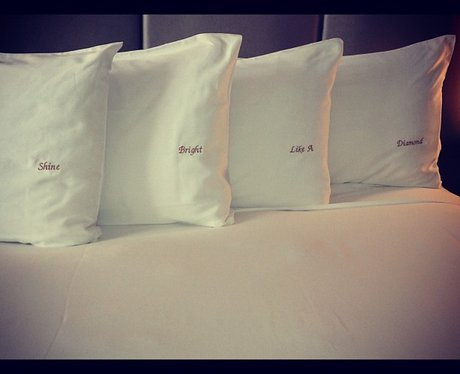 Rihanna tweets a picture of 'Diamonds' cushions.