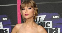 Taylor Swift CMT Music Awards 2013