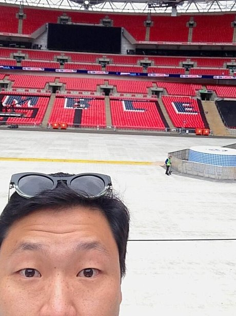 PSY at Capital STB from Twitter