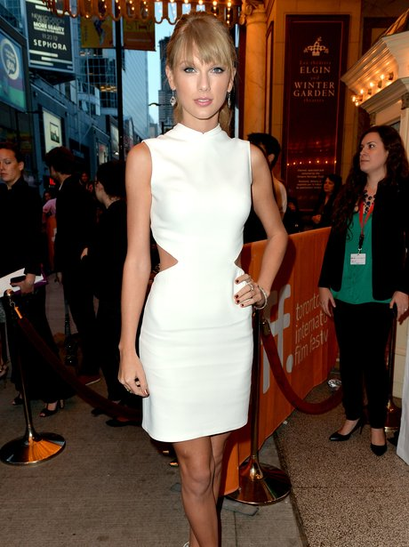 Taylor Swift arrives at the 'One Chance' Premiere