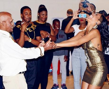 Rihanna dancing