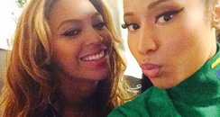 Beyonce and Nicki Minaj selfie on instagram