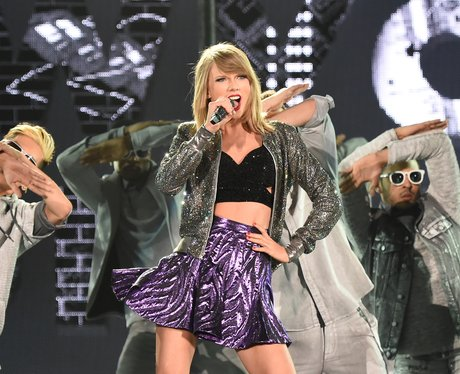 Taylor Swift perfomrs on her '1989' Tour