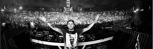 Avicii behind the stage