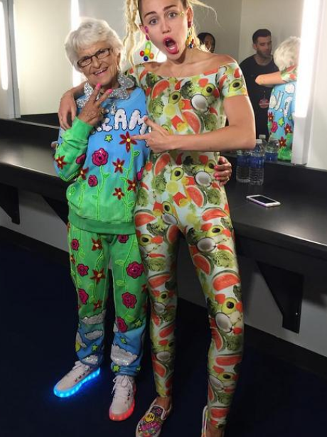 Miley Cyrus backstage at MTV VMAs 2015