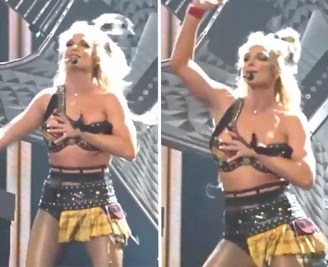 Britney Spears oops moment in Las Vegas