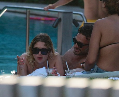 Pretty Little Liars' Ashley Benson spotted cosying