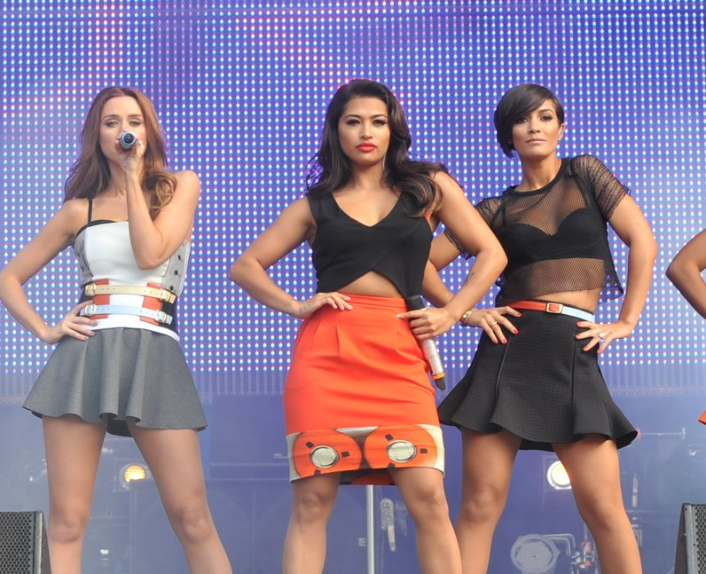 how to listen to podcasts on iphone strike the pose the saturdays hit the stage 20144